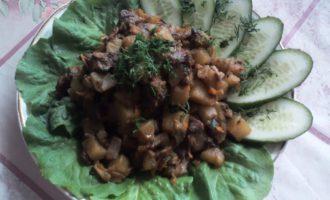 Картошка с грибами в мультиварке фото