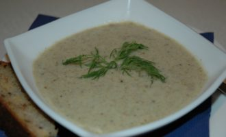 Грибной крем-суп с брокколи в мультиварке фото