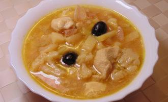 Свекольный суп с оливками и пшеном фото