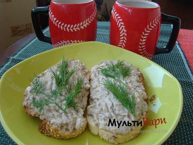 Горячие бутерброды с рыбными консервами фото