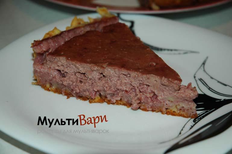 Пирог с вишней и клубникой в мультиварке фото
