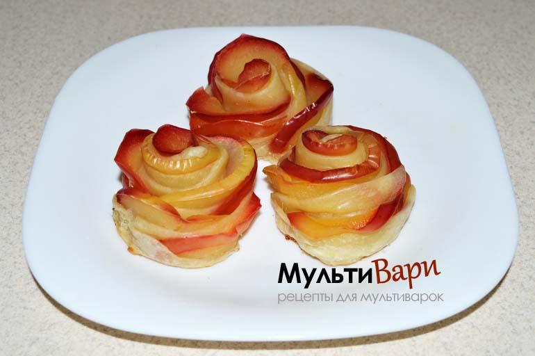 """Яблоки """"Розы в тесте"""" в мультиварке фото"""