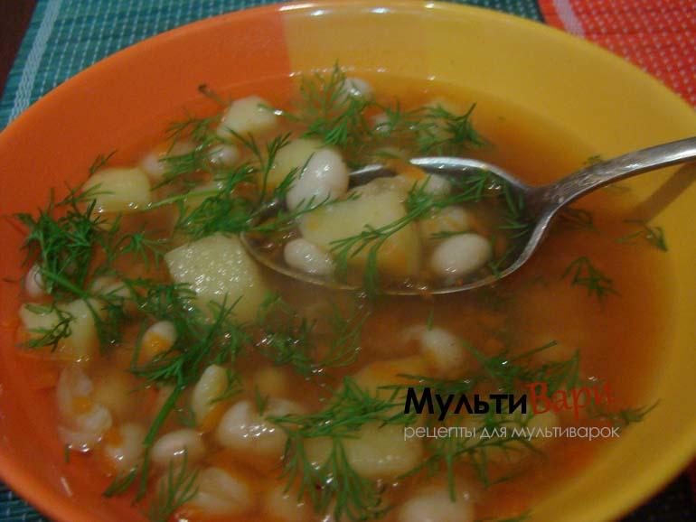 Суп-гуляш с фасолью и овощами в мультиварке фото