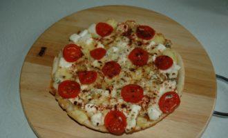 Пицца 4 сыра в Мультиварке фото