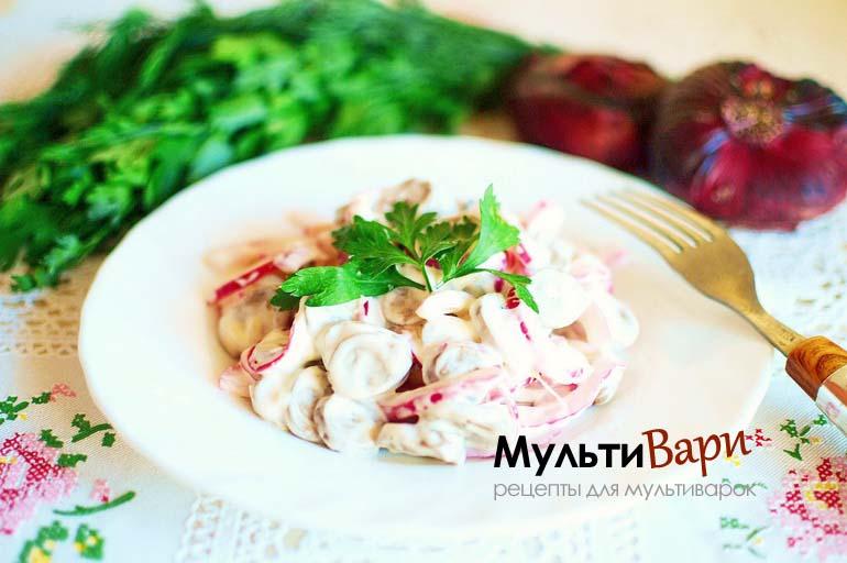 Салат из сердца с маринованным луком фото