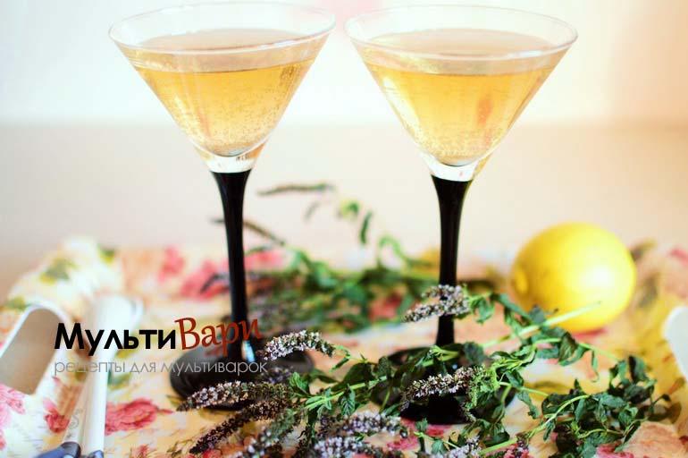 Содовая вода с мятой и лимоном фото